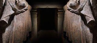 Νέα στοιχεία για τον τάφο στην Αμφίπολη παρουσίασε η Περιστέρη: Στολίδια από κόκαλο και χρυσά διακοσμητικά