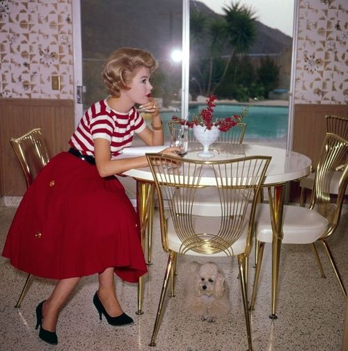 50s Casual Style Option...striped tee, solid full skirt, black belt and heels. I think this is Sandra Dee.