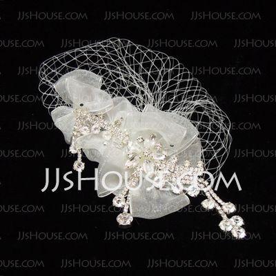 Accessoires de coiffure - $14.99 - Élégant Strass Perle Fil Net Fascinators (042026134) http://jjshouse.com/fr/Elegant-Strass-Perle-Fil-Net-Fascinators-042026134-g26134