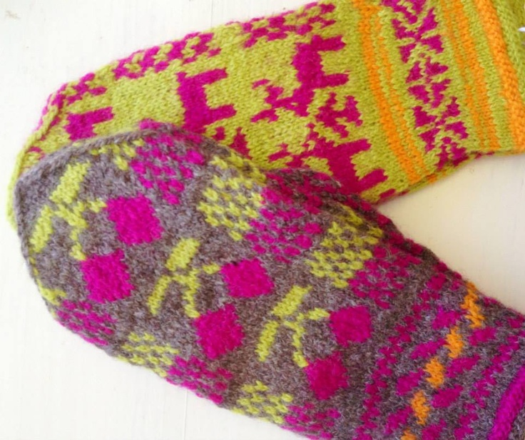 hand knitted mittens from Bulgaria