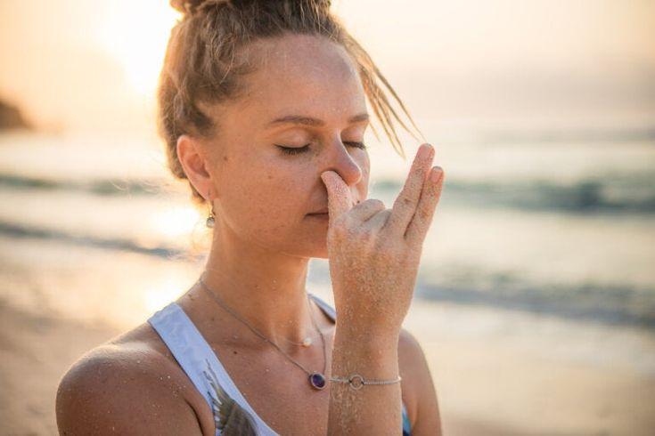 Descubre estas 4 técnicas de respiración para combatir el estrés ¡Muy efectivas! Mouth Breather, Vipassana Meditation, Fight Or Flight, Breathing Techniques, Anxiety Help, Respiratory System, Chronic Pain, Fibromyalgia, Yoga Teacher Training