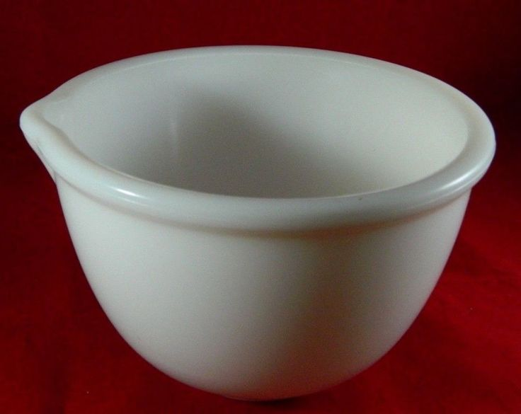 """Vintage Mid-Century White Milk Glass Mixing Bowl with Spout 4""""X6.5"""" Serving Dish #Unbranded"""