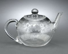 An exquisite American Brilliant Period cut glass teapot with a richly-cut floral motif H.P. Sinclaire and Co. of Corning, New York.