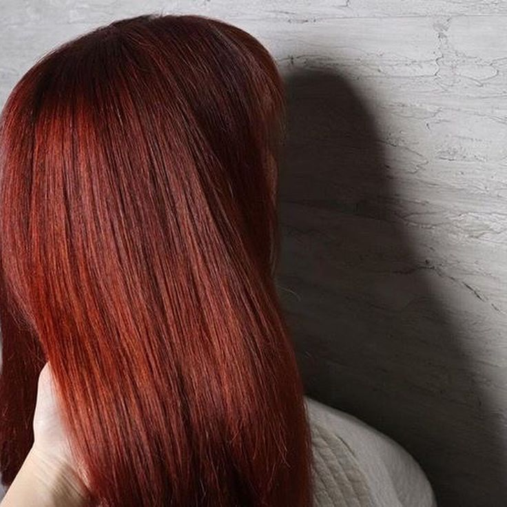 Whipping up a little #cinnamon spice #redhot magic with the #usmooth flatiron! Keep your #hair looking smooth and #healthy for the #holidays by starting with protect thermal spray, then follow with your #flatiron like #stylist Melody Sparrow did with this stunning #redhair! ❤️