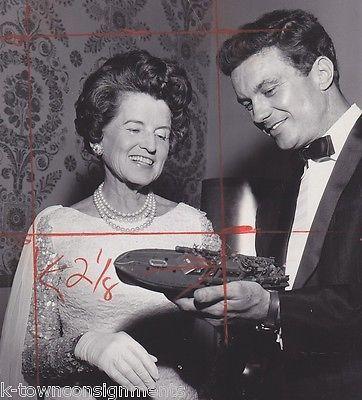 Rose Kennedy PT 109 Movie Actor Cliff Robertson & Model Vintage News Press Photo