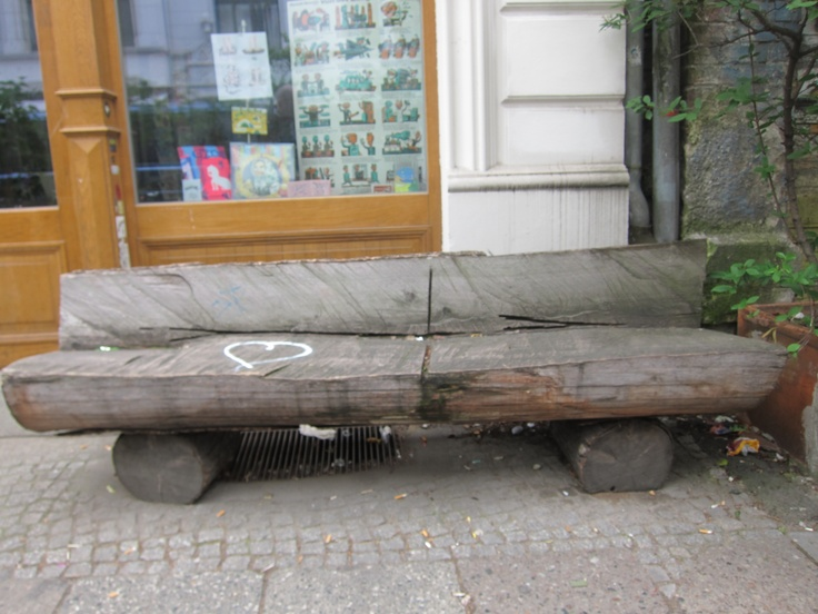 Tree trunk bench arts and crafts pinterest trees for Benches that go around trees