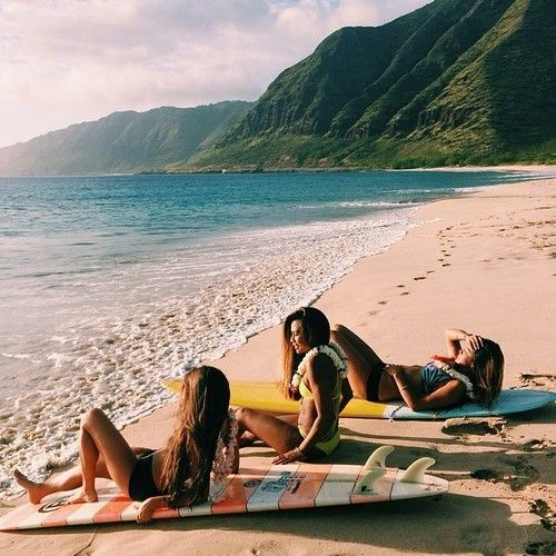 Beach with the baes on holiday last summer! Me, Ella and our holiday friend Isla! Miss the sea and surfing, and Isla!