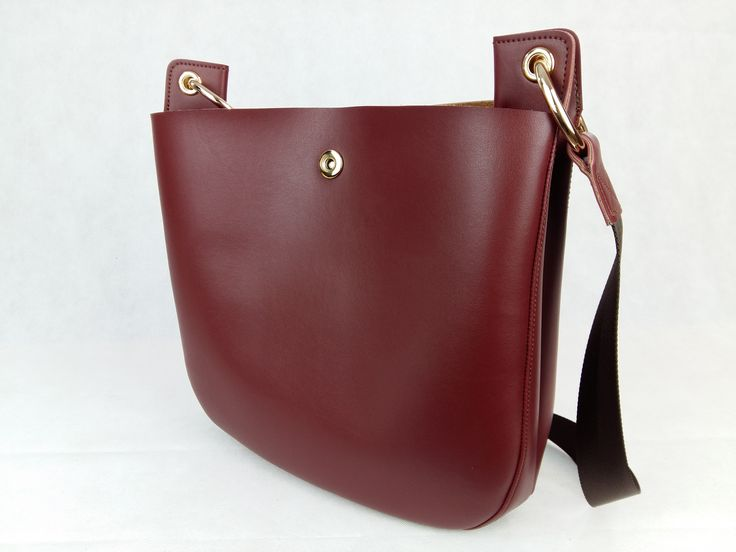 Leather crosover bag.  Availiable online @playbags.gr