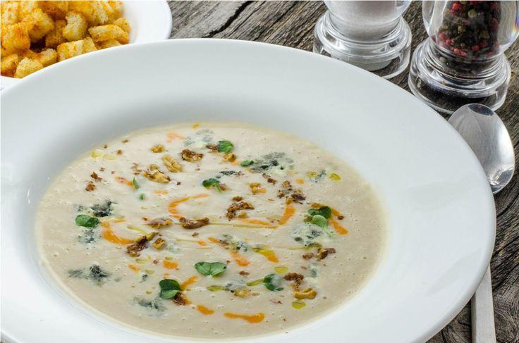 Supa crema de telina cu gorgonzola si nuci