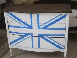 Union Jack Painted Trunk {tutorial plus before & after} - Refunk My Junk: Revamp, Repurpose, Refunk.