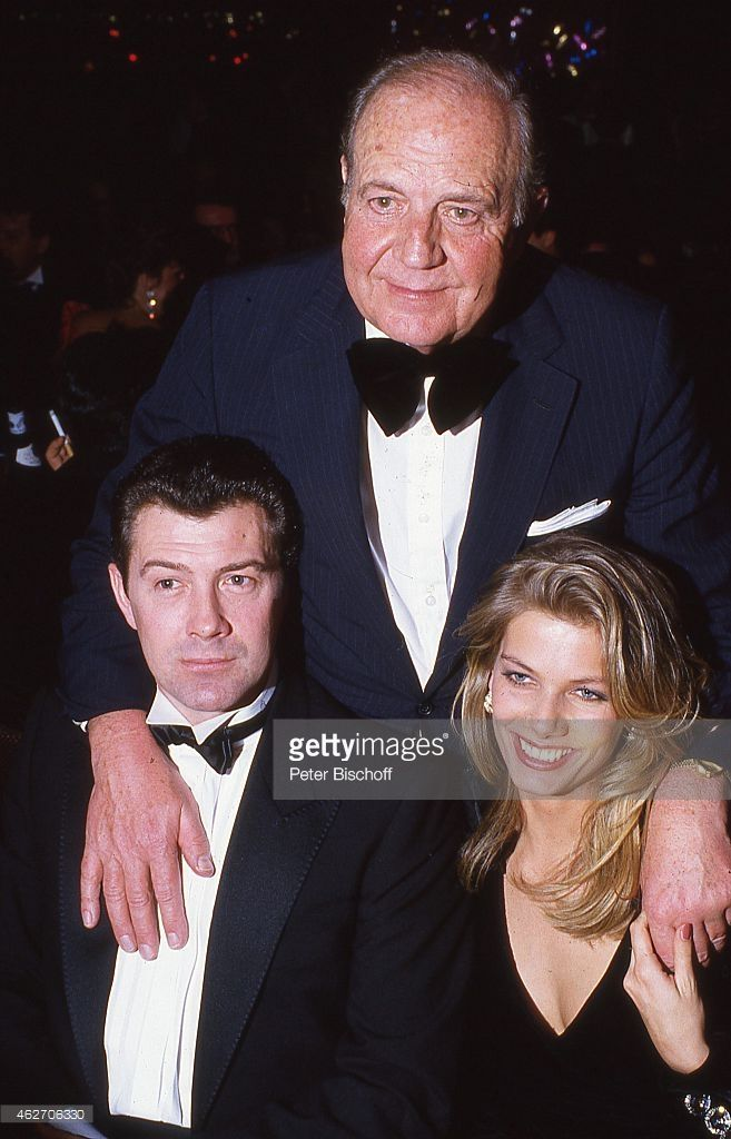 'Lewis Collins, Ursula Karven, Gast , ''Deutscher Filmball'' am in... News Photo | Getty Images