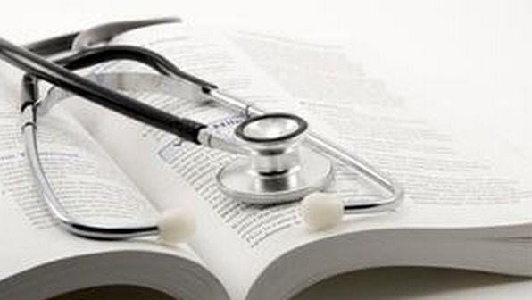 The Advantages and Disadvantages of Going to Medical School