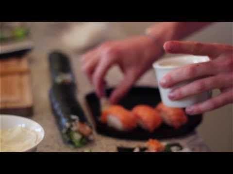 Sushi - Jak zrobić sushi z łososia i tuńczyka w domu? Przepis - Nigiri / Futomaki / Hosomaki - YouTube