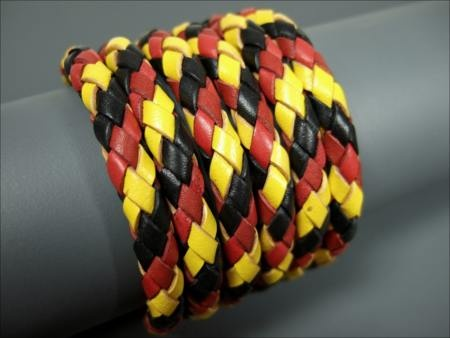 Leather cord round braided Bola cord 6,0 mm wide in German national flag black red gold/yellow. Genuine leather cord round braided and ideal for further processing with for example jewellery findings, beads and charms or many other purposes.