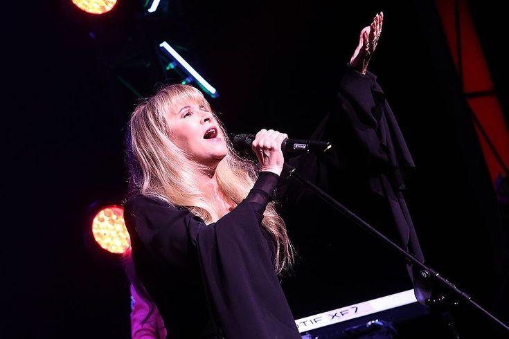 Стиви Никс выпустит делюкс-версии альбомов Bella Donna и The Wild Heart - http://rockcult.ru/stevie-nicks-deluxe-edition-bella-donna-the-wild-heart
