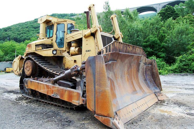 Caterpillar D9L  vernice originale ripper mono dente a percussione  carro nuovo   Caterpillar D9L original paint blade hammer ripper  U/C new. FOR SALE