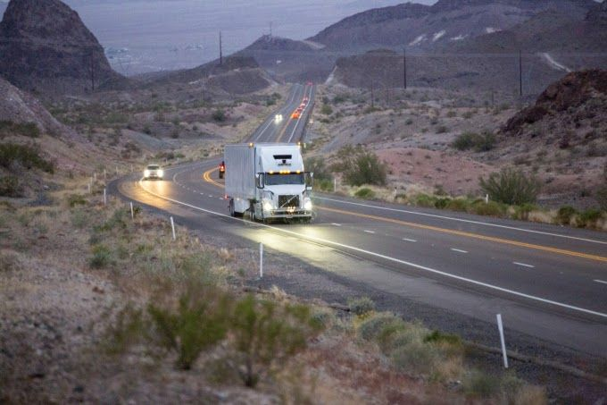 Ubers autonomous trucks are now doing actual work for customers via Uber Freight Ubers commercial cargo shipping on-demand app. The first runs are being done in Arizona with regular hauls operating with both human drivers and autonomous trucks working in tandem. How it works is that Uber will load up the freight on a conventional human driven truck who collects the load from Read More
