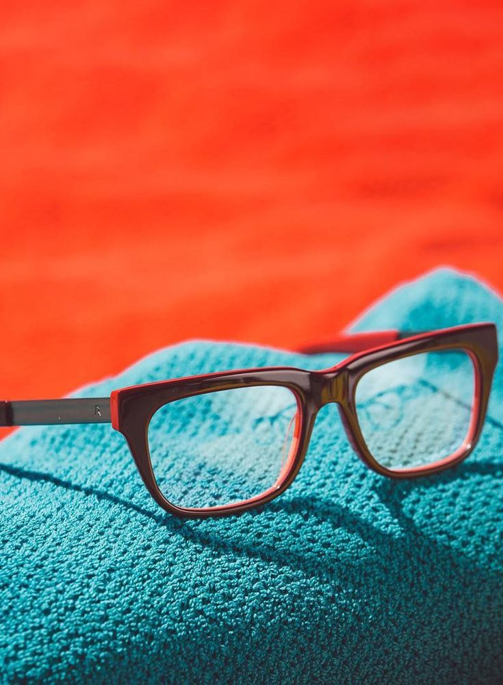 Ein Traum in rot: rocco by Rodenstock RR 424.