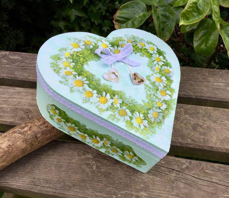 Boîte à bijoux ou fourre tout décor fleurs marguerites blanches : Boîtes, coffrets par arc-en-ciel-creatif