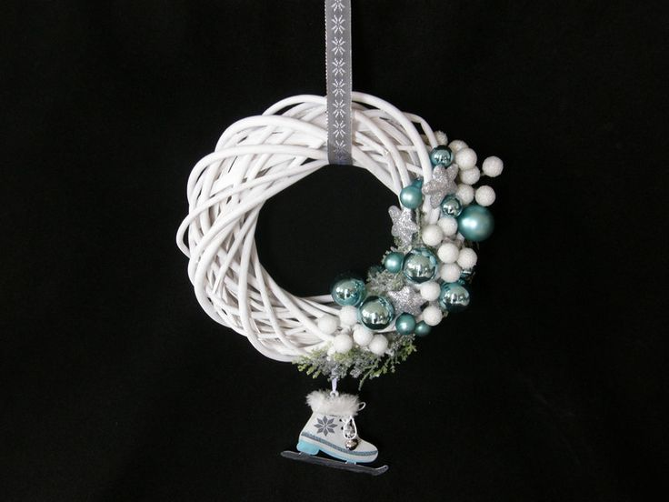 Christmas Wreaths – ADVENT CHRISTMAS DOOR WREATH TURQUOISE ICE SKATE – a unique product by Candelita123 on DaWanda