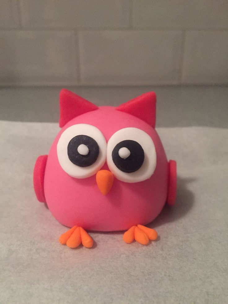 Owl cake topper made out of fondant