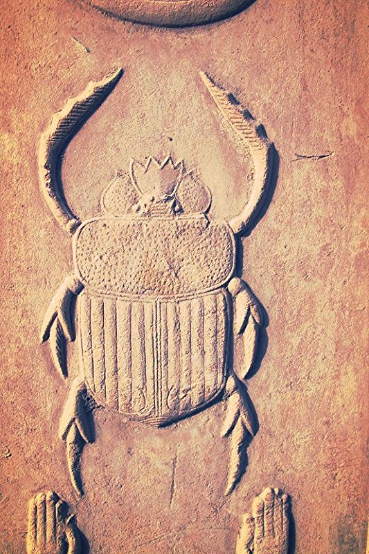 """Khepri"" Scarabée égyptien, symbole de la transformation - Égypte."