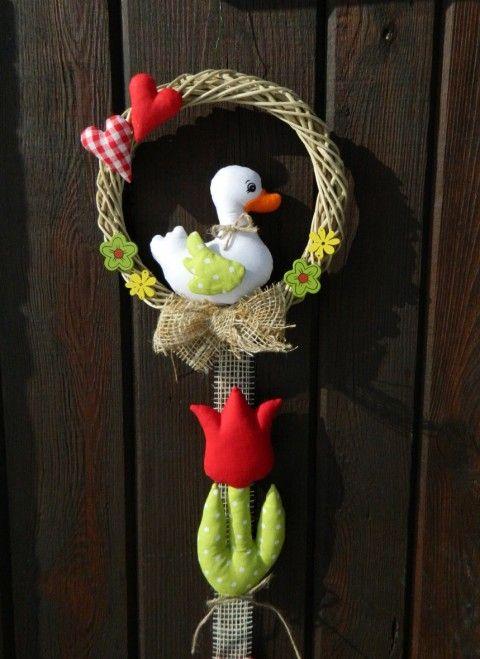 Jarní svěžest dekorace ozdoby srdíčko jarní srdíčka závěs jaro velikonoce ozdoba velikonoční girlanda kačenka