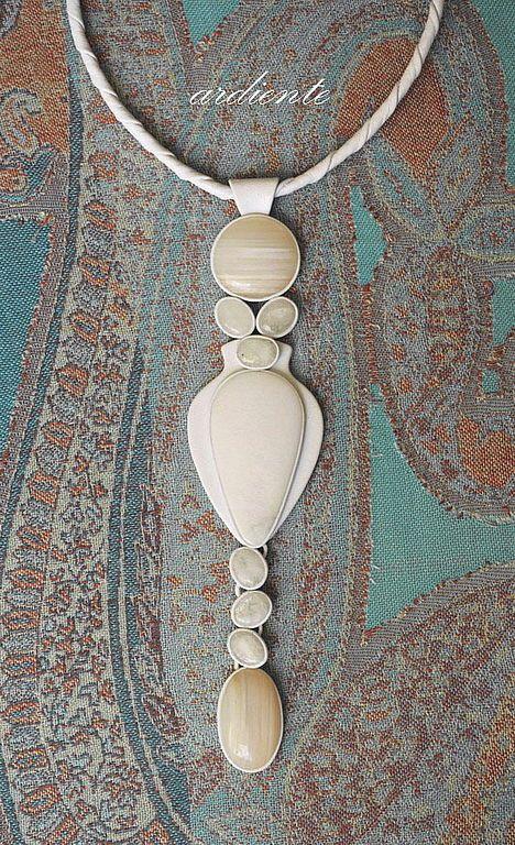 "Купить Колье ""Одетта"" - белый агат, кахалонг, лунный камень, Натуальная кожа, кожа натуральная"