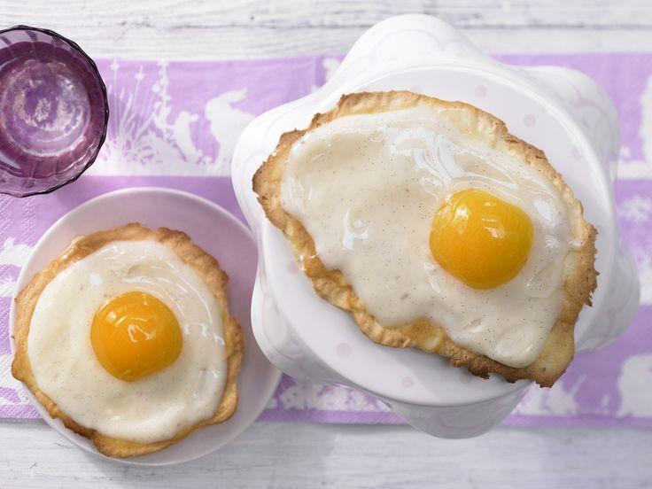Zum Verwechseln ähnlich: Spiegelei-Amerikaner mit Vanillepudding und Aprikosen - smarter - Kalorien: 256 Kcal - Zeit: 45 Min.   http://eatsmarter.de/rezepte/spiegelei-amerikaner