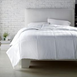 This comfortable duvet set will have you waking up #fresh for your classes. #back2campus #searscanada