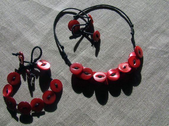 Girocollo e/o bracciale con grappoli di bottoni di nodiEbottoni