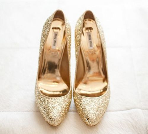 Gold Heels: Shoes, Fashion, Style, Pump, Gold Heels, Closet, High Heels, Bride, Photo