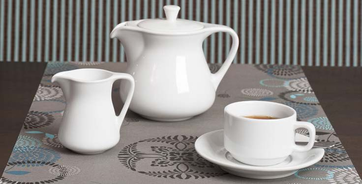 A Perfect Tea Set from Royal Porcelain Titan Crockery