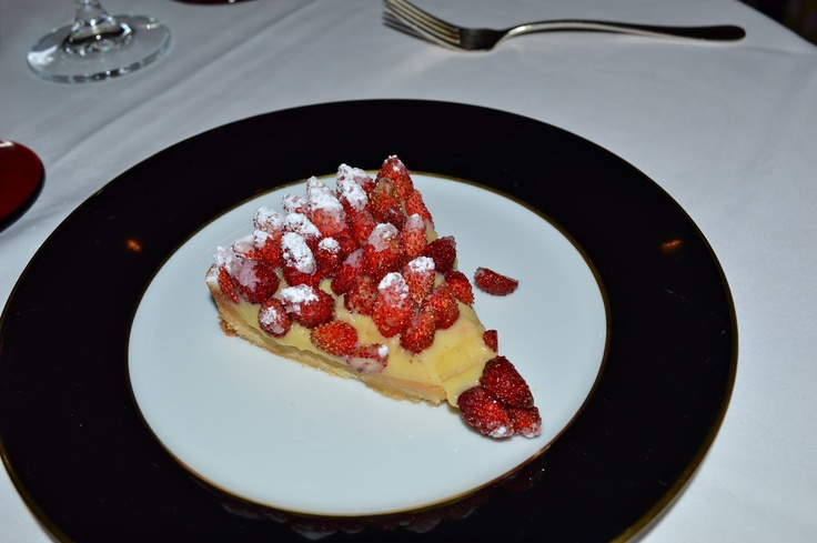 Crostata with fresh strawberries l Alexandra D. Foster Destinations Perfected: Milan, Italy - Giacomo Bistrot