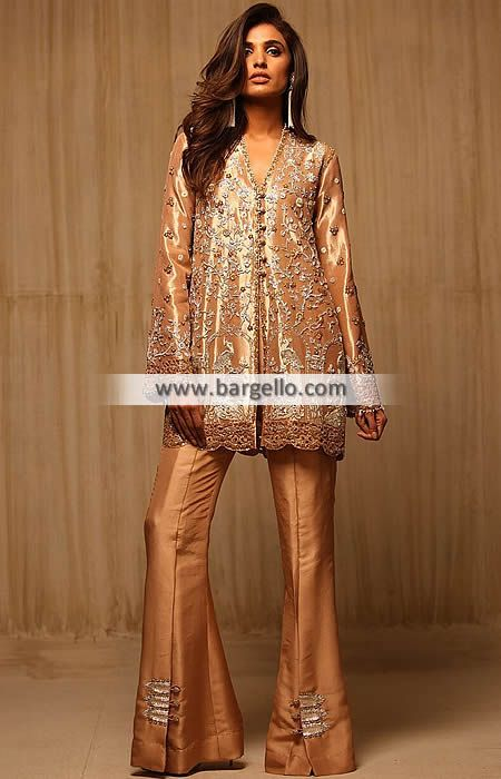 Desirable Party Dress for Evening and Formal Occasions This desirable party dress has awesome embellishme