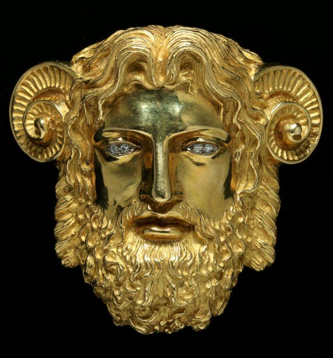 An 18k Gold Head Of Zeus Ammon Signed Wander France On In