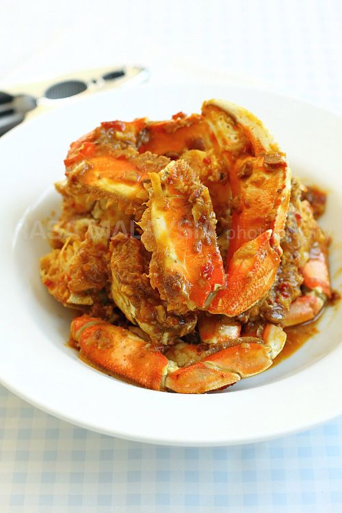 Chili Crab - crab in a spicy and savory sauce. This Malaysian crab ...
