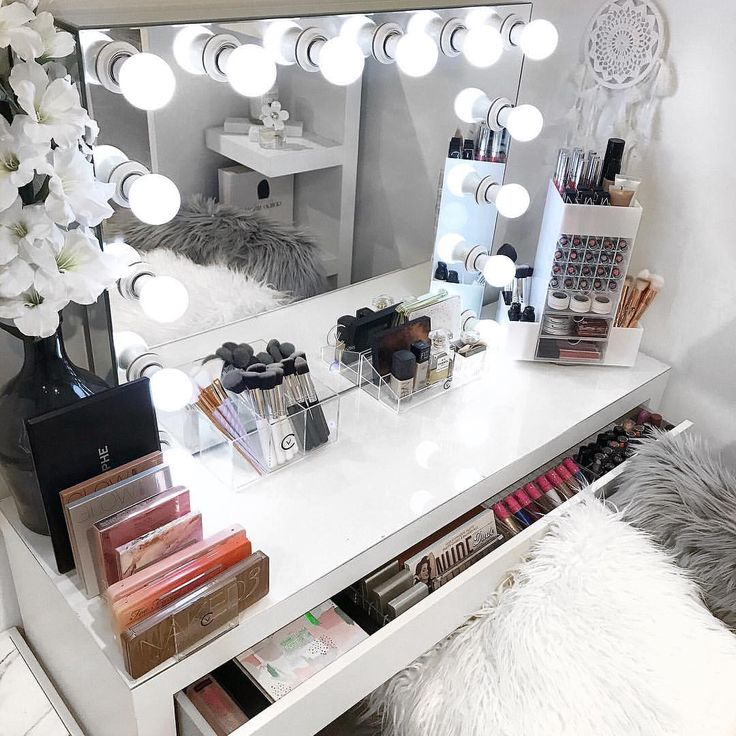 CYBER MONDAY SALE  . 1 day only - 10% OFF STORE WIDE . Online shopping for all your modern makeup storage and decor needs. Including our Vanity Collections Salon Pro Hollywood Mirror and all acrylic makeup storage items . Use discount code - vc10 - at checkout. . Afterpay, zippay available for Aussie shoppers. Link to website on our Instagram page and Insta story. Happy shopping  .