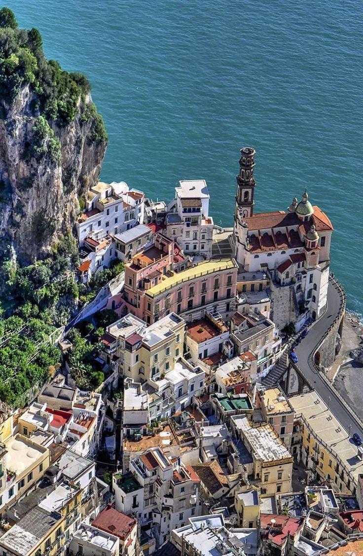 La splendida Atrani sulla Costiera Amalfitana