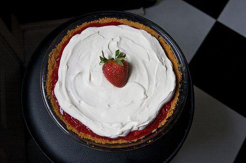 Strawberry Icebox Pie- Mmmm- another summer-y recipe.