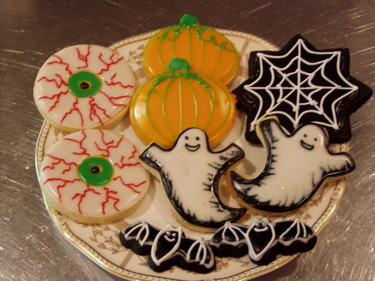 kids halloween cookies decorations with animal shapes funny halloween themes elegant drawings and lots of other lovely decorations - Halloween Cookies Decorating Ideas