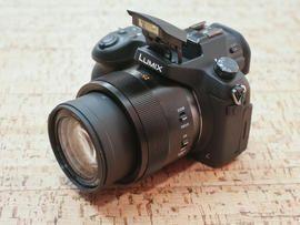 CNET editors choose the best digital cameras, including digital SLR cameras, compact digital cameras, mega-zoom cameras, and many more.
