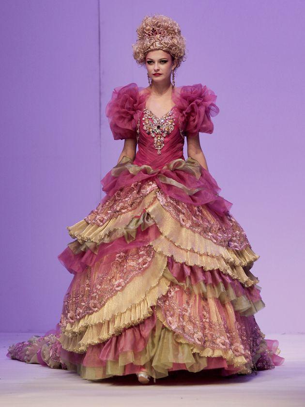 63 best Craziest wedding dresses images on Pinterest   Wedding ...