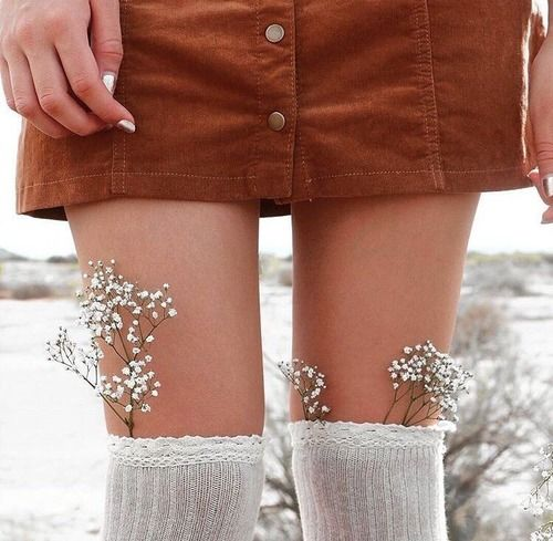 #skirt #fall #fashion #flowers #style #theme #aesthetic #autumn #socks #tumblr  https://weheartit.com/entry/299697609