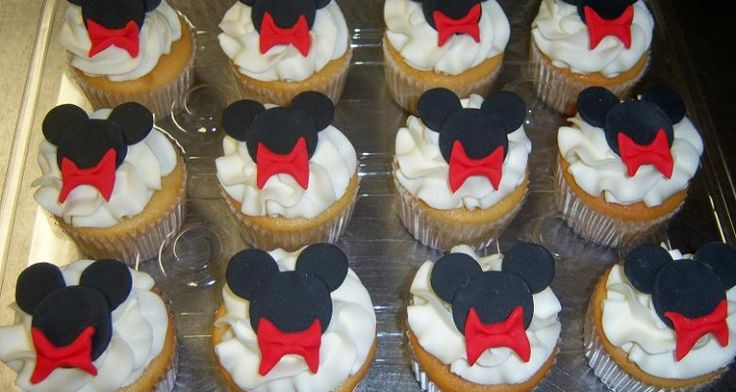 Mickey_Mouse_Cupcakes_RS11