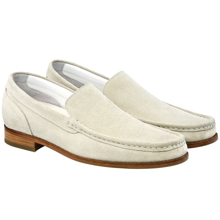 Guidomaggi lancia la nuovissima linea di #mocassini con rialzo interno per regalare statura senza rinunciare al comfort. Sfoglia l'intero catalogo di mocassini con rialzo o di #scarpe rialzate per trovare il modello più adatto a te!  http://www.guidomaggi.it/mocassini/la-habana-detail#.U5rDvXJ_uSo