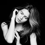 "Bella Project na Instagramie: Sabina #rebelmodels #makeupbykatarzynasobura #photo #bnw #beautyful #bella #polismodel #hands #natural #folioartists #simplicity #fashion @bella_project_by_cyron @sabina_wrotny @katarzynasobura"""