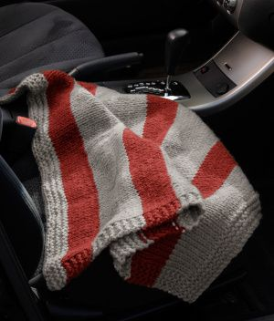 Knit Car Blanket pattern from Lion Brand -- Reminding myself to try knitting again.