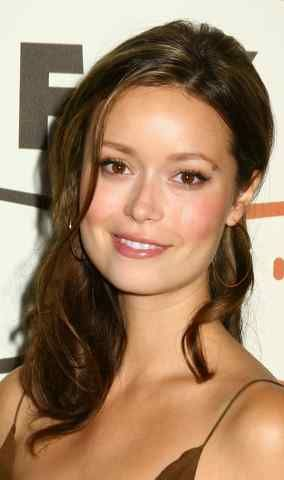 hilary duff brunette | Summer Glau's lovely brunette hair is accented with a few stripes of