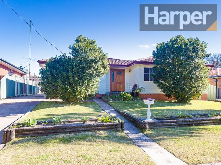 17 willow cl elermore vale NSW 2287